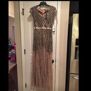 Size 4 adrianna pappel gown